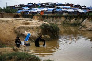 Læger gør sig klar til fødsler efter overgreb på rohingyaer