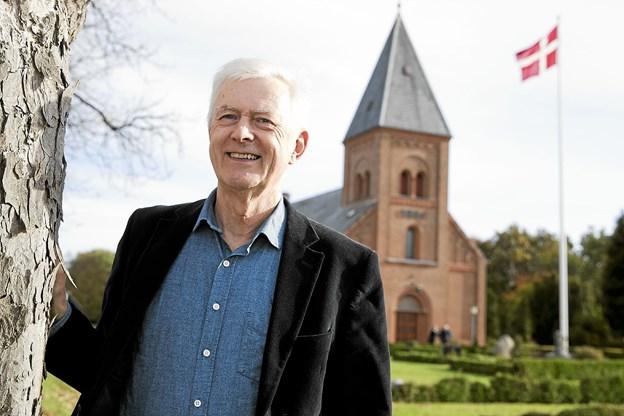 På søndag holder Jens Jacob Jensen sin sidste gudstjeneste i Øster Hassing Kirke. Han går på pension efter næsten 42 års virke. Foto: Allan Mortensen