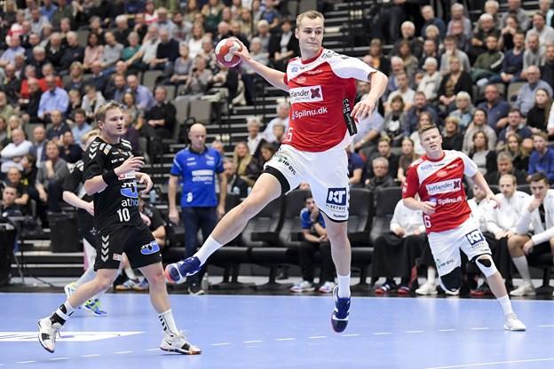 Norsk plankeværk og et topholds kynisme sendte Aalborg på førstepladsen i ligaen
