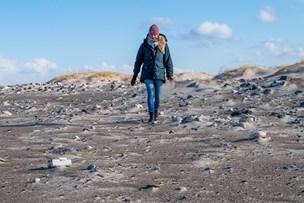 Unge samlede plastikperler på stranden: Fisk, fugle og havdyr tror det er mad