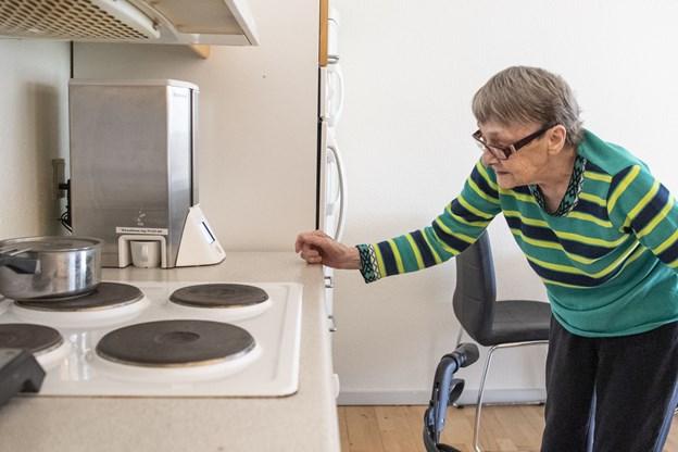 Nordjyske ældre får robotter: 84-årige Grethe er begejstret