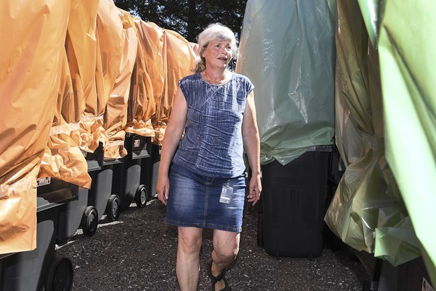 Det kniber med leverancen af de nye affaldscontainere, konstaterer affaldsplanlægger Gitte Gehrt Arkivfoto: Bent Bach
