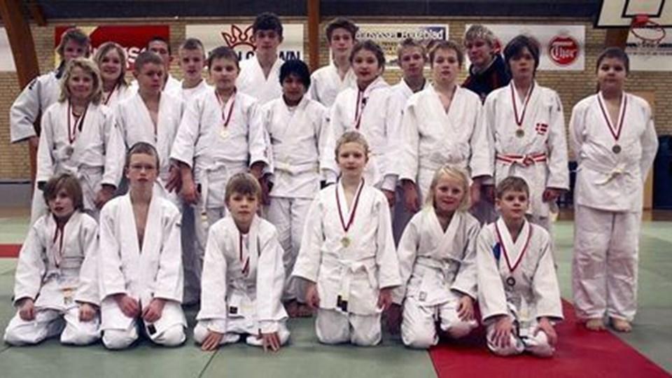 Judokæmperne hjembragte 17 medaljer.Privatfoto