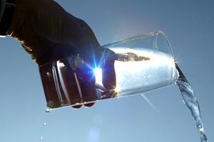 Danmark er ikke det eneste land, der tørster efter vand: Et glas vin koster 750 liter vand