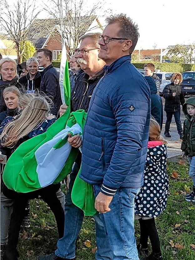Torben Sørensen og Finn Pedersen klar til hejsning af Det Grønne Flag Foto: Karl Erik Hansen