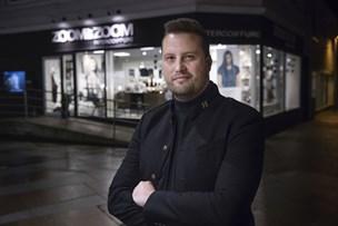 Modefrisør risikerer grå hår før tid: - Den første ærlige politiker får mit kryds