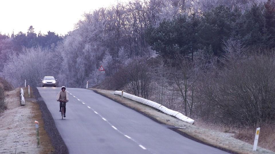 Der er risiko for rimglatte veje over hele Nordjylland fra morgenstunden. Op ad dagen kan der fortsat være glat på steder med skygge. Arkivfoto