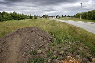 Gang i satellitby nær Aalborg: 28 grunde snart klar til salg