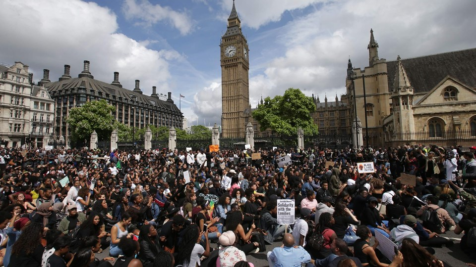 BRITAIN-US-POLICE-SHOOTING-PROTEST Foto: Scanpix/Daniel Leal-olivas