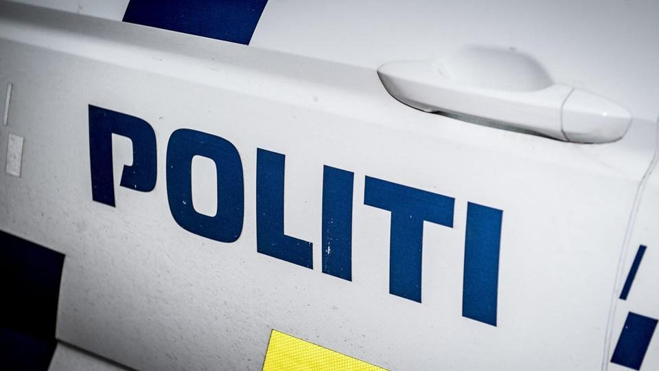 Fyns Politi oplyser natten til onsdag, at de syv personer er ved at blive afhørt og bliver formodentligt løsladt senere.