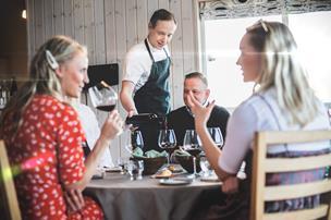 Nordjyderne elsker gourmet - og har fået nys om pop-up-restaurant i sommerhus ved fjorden