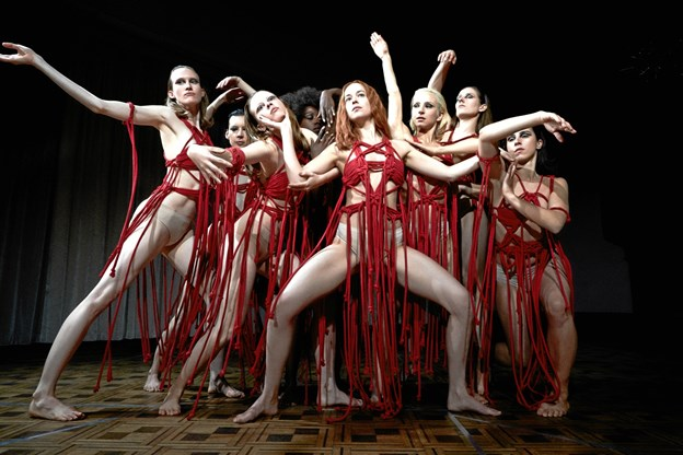 """Genindspilning af filmen """"Suspiria"""": For langtrukken og kedelig"""