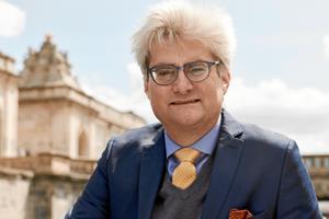 Velskrevne erindringer: Søren Pind bed i bordpladen over DF - og fik en tør kommentar