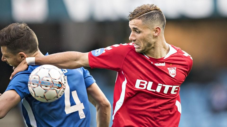Imed Louati (til højre) var allerede på pletten for Vejle i det fjerde minut mod Nykøbing FC. Foto: Scanpix/Claus Fisker/arkiv