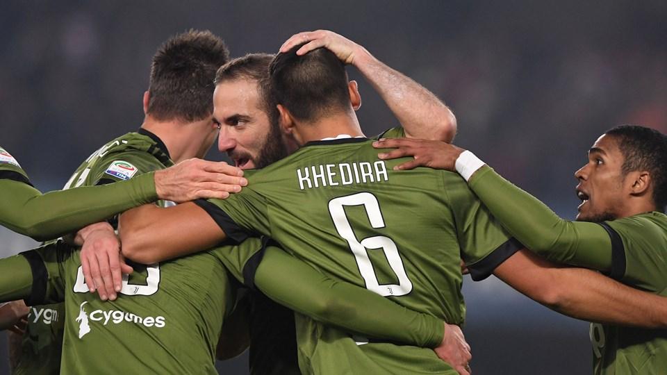 Med to mand i overtal i en halv time sikrede Juventus en udesejr over Chievo Foto: Reuters/Alberto Lingria