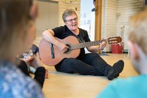 Birgitte stopper efter 37 år med børn: Vil stadig kigge ind og spille Mariehønen Evigglad