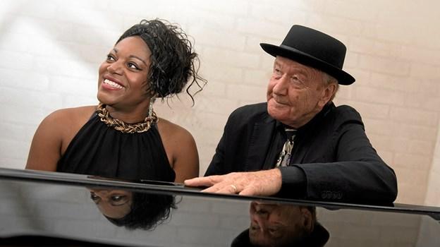 Troels Jensen og Miriam Mandipira giver 4. oktober blues-koncert i Kulturhuset i Arden i selskab med guitarist Thomas Puggaard-Müller. PR-foto