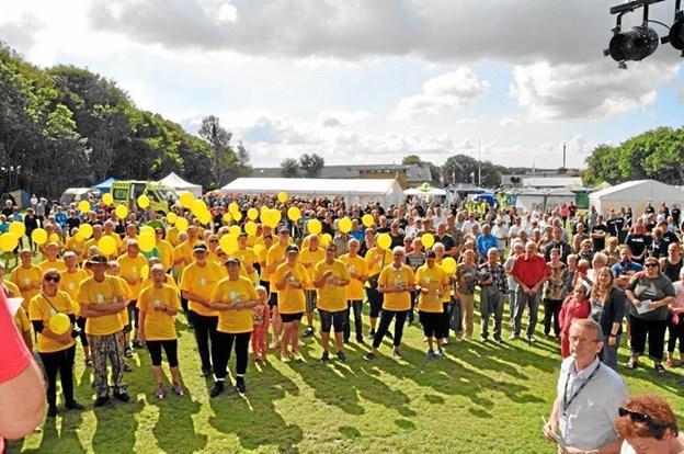 Fighterne i de gule bluser ved Stafet For Livet.Arkivfoto