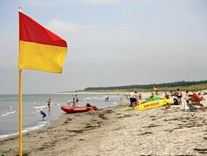 Vælg en strand med livreddere