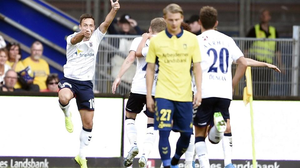 Spillerne fra AGF kunne juble efter scoringen til 1-0 ude mod Brøndby. Det endte med en AGF-sejr på 3-0.