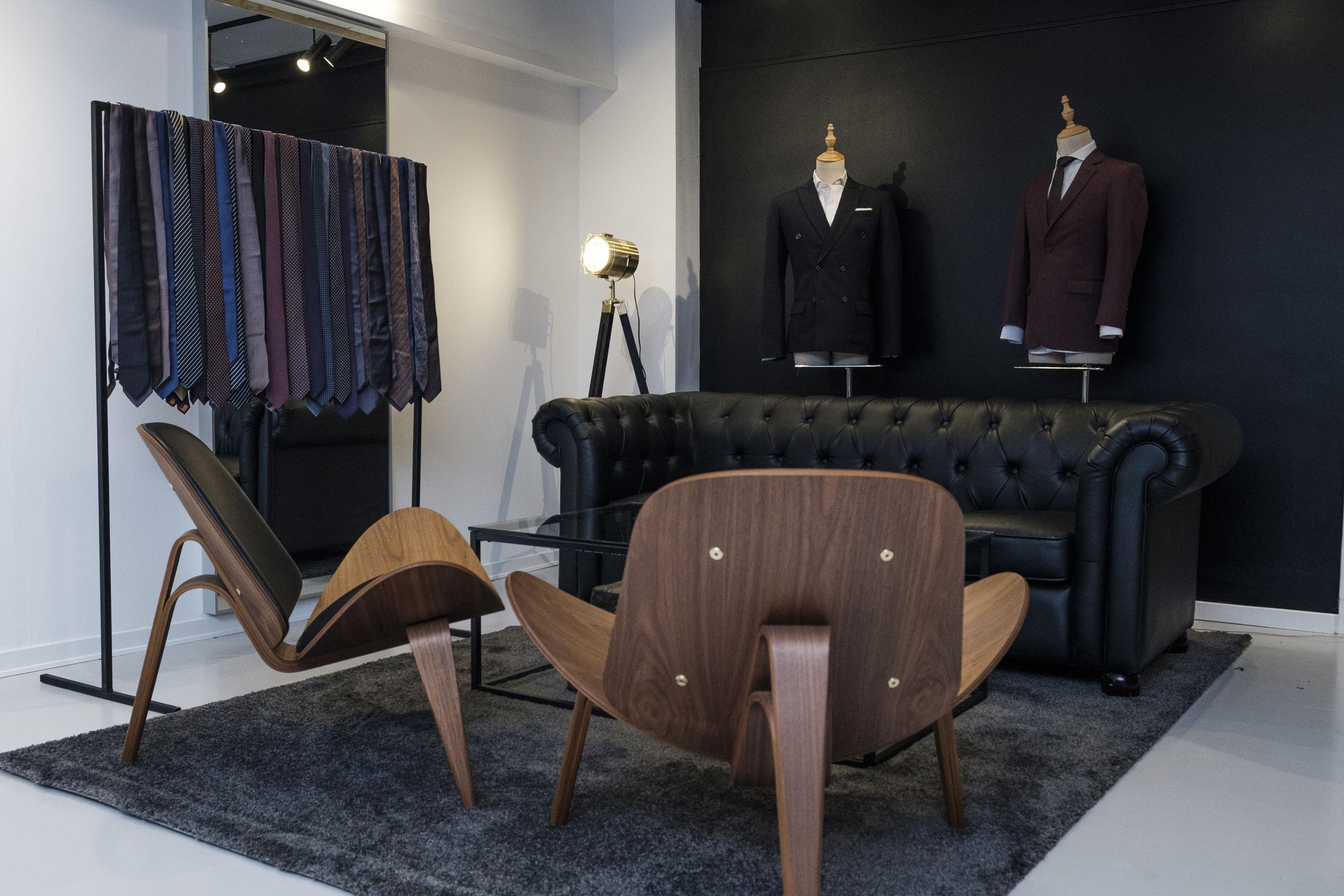 Det ligner ikke umiddelbart en tøjforretning - alt bliver dog også lavet på mål og bestilling hos Frederik Hector House. Foto: Lasse Sand