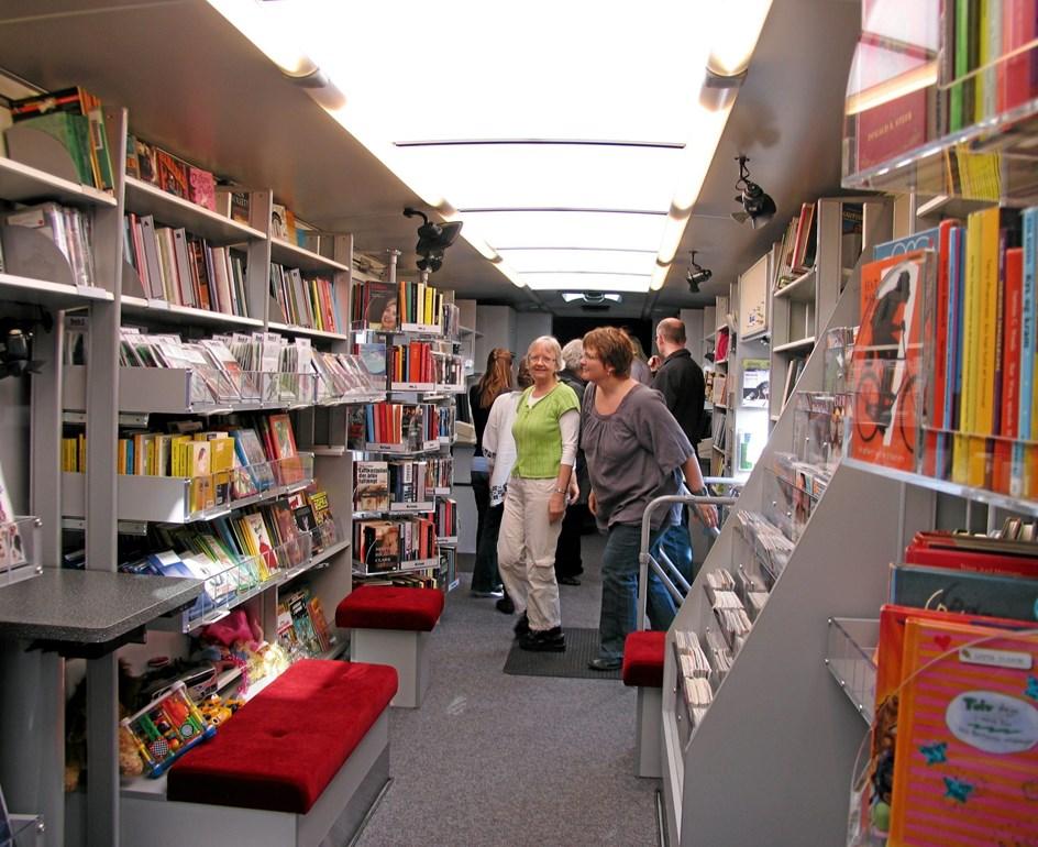 Bøgerne ruller igen: Politikere kræver bogbusser tilbage til to bydele
