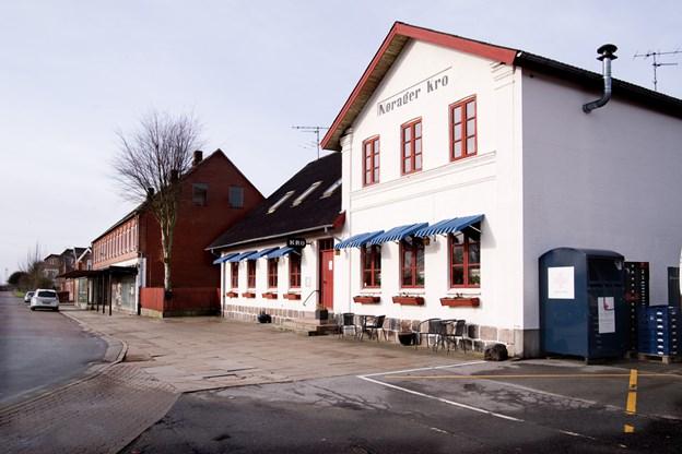 Kåret som Danmarks billigste: Nu er Nørager Kro solgt - her er den nye ejer