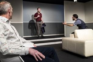 Ny forestilling på Himmerlands Teater: Venskab og modsætninger spiller stor rolle i kunst-komedie