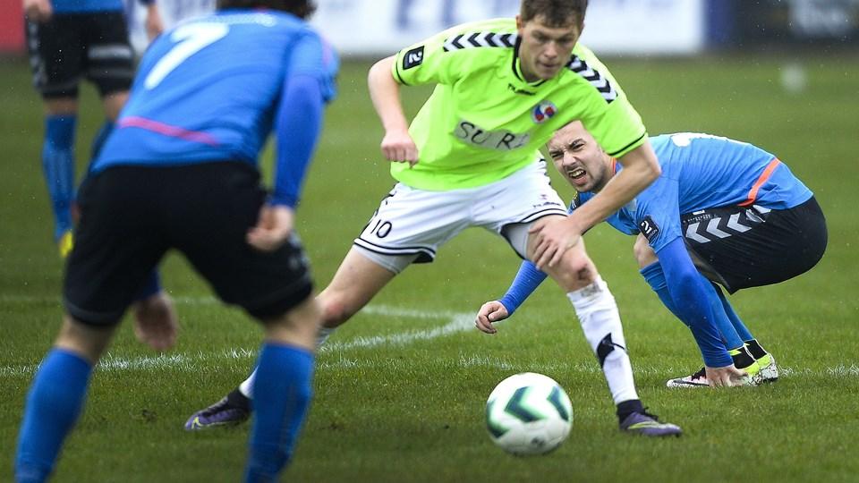 Viktor Ahlmann (th.) træner stadig med i Jammerbugt FC. Arkivfoto: Michael Koch