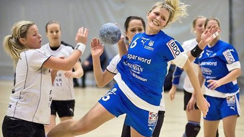 Søndag aften spillede FfI's kvinder mod Mønsted/Sparkær, og dette opgør endte med at blive en neglebidende affære. Foto: Peter Broen