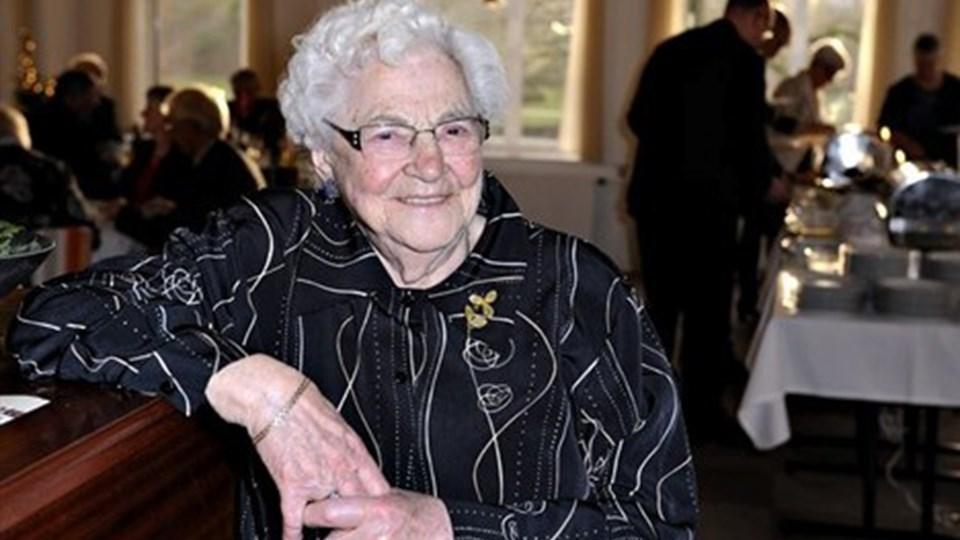 Esther Nielsen holdt sin 100 års fødselsdag i fineste form med 70 gæster. Foto: Bent Bach