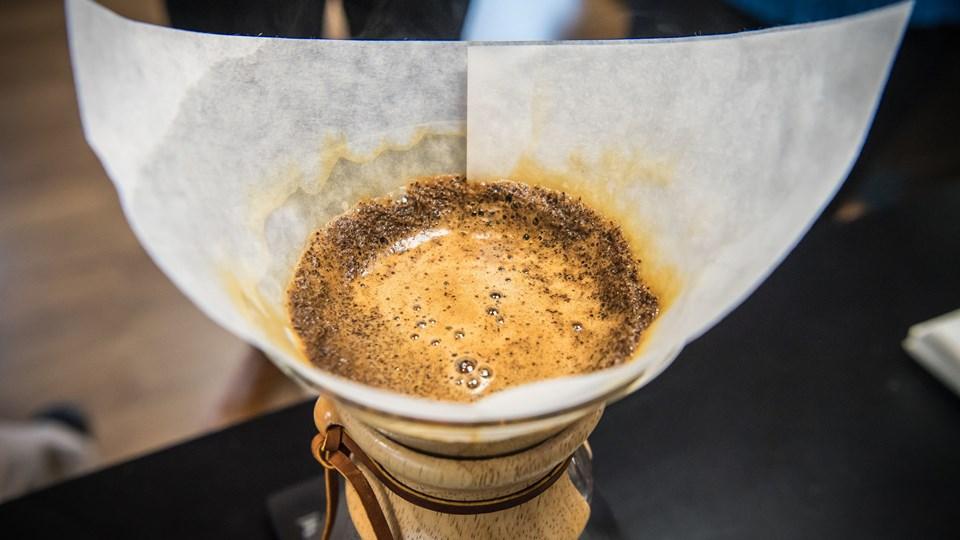 Der er kaffe her, der og alle vegne hos Bentax, som fredag indviede sit nye domicil i Svenstrup.