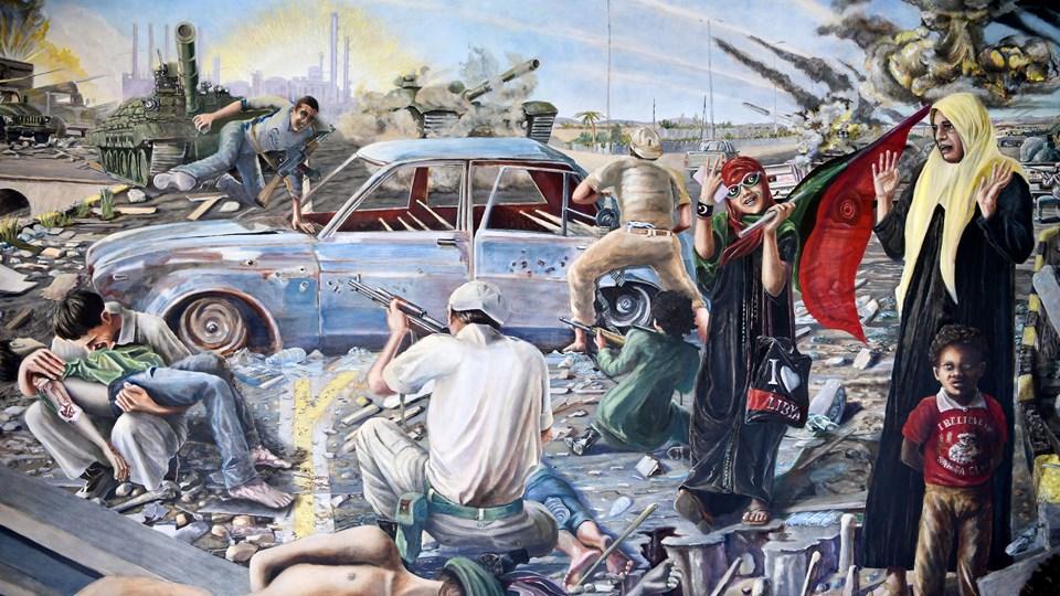 """Maleriet """"Batalje"""" udstilles i dag ikke alene, men flankeres ofte af debat, foredrag samt en udstilling af et udvalg af de artikler og debatindlæg, der blev bragt i forbindelse med polemikken om maleriets tilblivelse. Foto: Henrik Bo"""