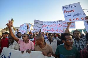 Militær har såret flere ved aktion i Sudans hovedstad