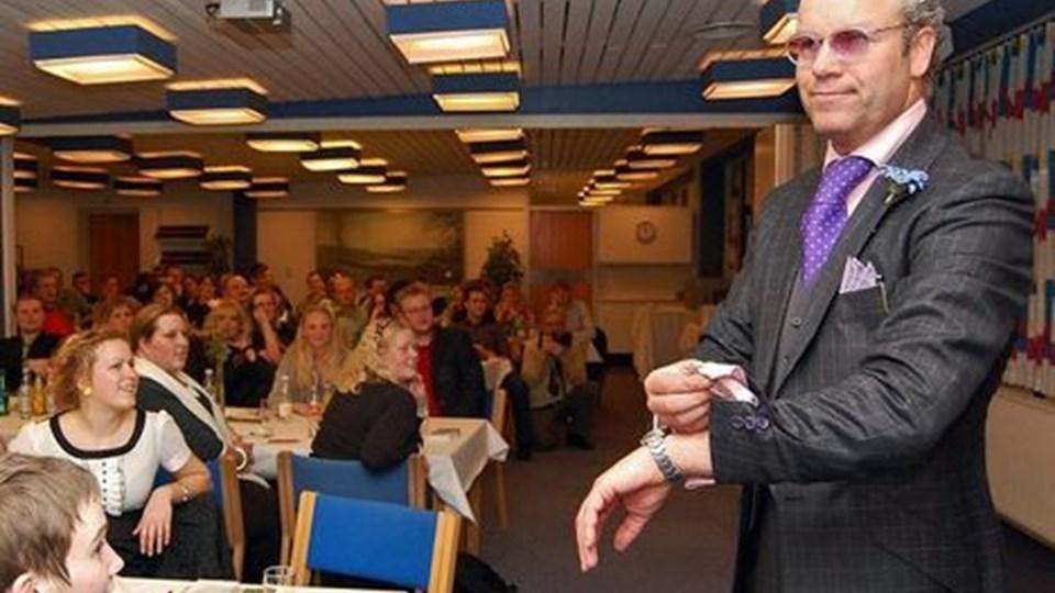 Mads Christensen tog kegler hos Sparekassens unge garanter, da han gjorde sin entré i vanlig selvsikker stil. Privatfoto