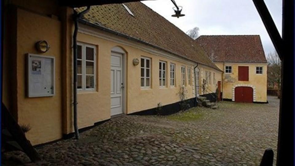 Kommunen har købt Sognegården i Mariager, og det glæder to byrådsmedlemmer fra Mariager sig over. Arkivfoto