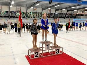 Medaljeregn til unge skøjteløbere