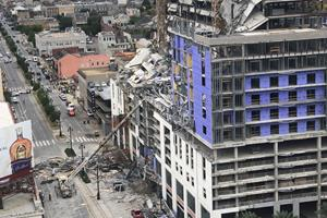 En død og 18 kvæstet i hotelkollaps i USA