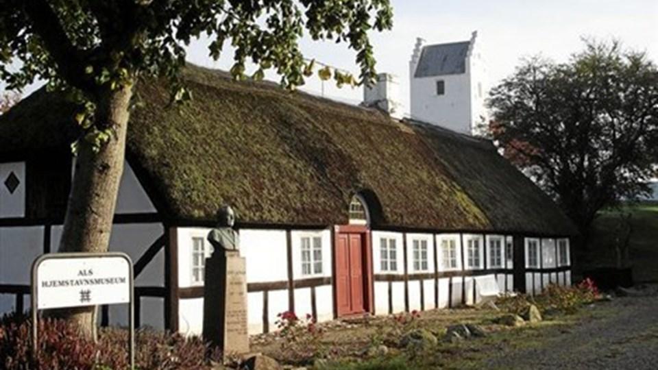 """Hjemstavnsmuseet tæt ved Als kirke lukkes, og byens """"rødder"""" flyttes i første omgang til Hadsund og senere til Vestbjerg nord for Limfjorden. Foto: Ejlif Rasmussen"""