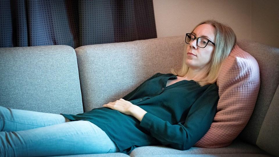 I fem år har Kamilla Thomsen været ramt af smerter og en ekstrem udmattelse. Først på året fik hun diagnosen ME, og lige nu kan lægerne intet stille op med sygdommen. Men Kamilla håber på, at forskningen i ME med tiden vil opleve et gennembrud.