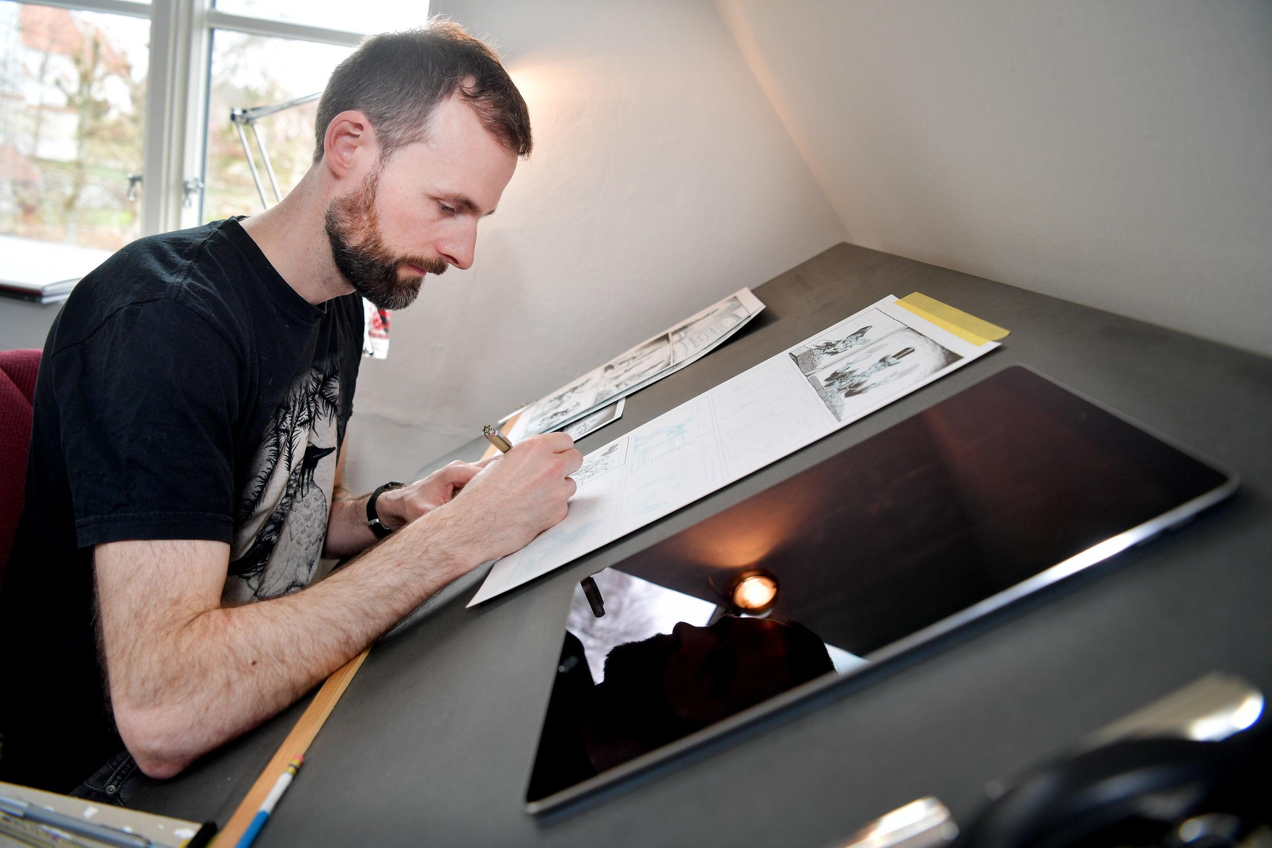 Rune Ryberg tegner flippermaskiner, Aalborg og venskaber i 1990'erne