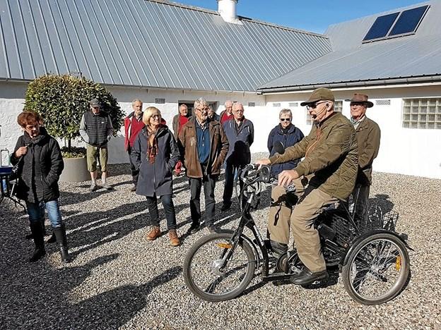 Erling Buus førte an på sin elcykel med højtaleranlæg. Foto: Karl Erik Hansen
