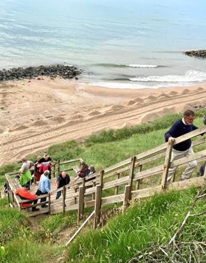 Travetur: Kom helt tæt på kystsikringen