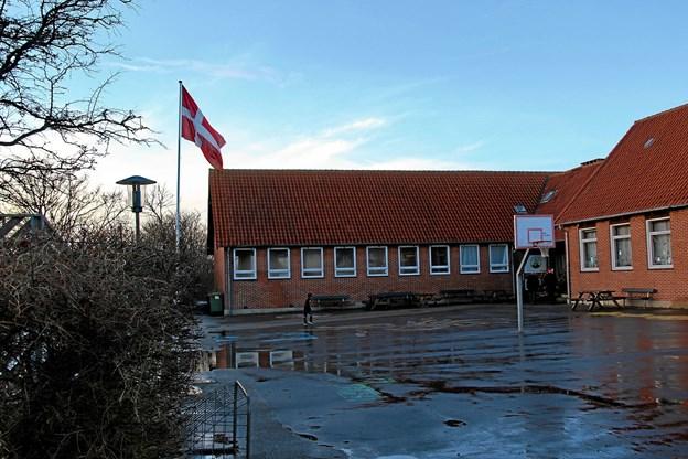 Flaget var hejst i anledning af julestuen i Boddum-Ydby Friskole. Foto: Hans B. Henriksen Hans B. Henriksen