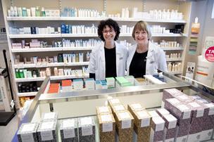 Laia tog springet fra Barcelona til Hurup - nu bliver hun byens nye apoteker