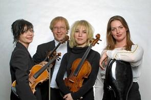 Julekoncert med Kim Sjøgren og små havfruer