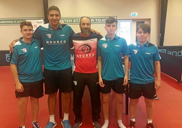 Fra venstre Jordan Wykes, Khaled Assar, Tarek Hassan, Luke Savill og Peter Svenningsen.   Foto: B75