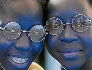 Indsamler briller til folketingsvalget