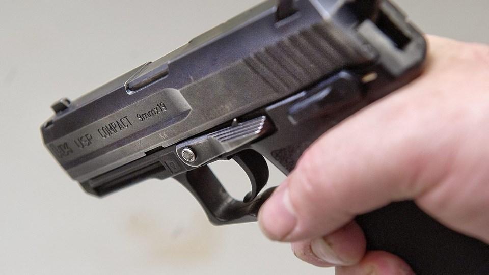 Det viste sig ikke at være en rigtig pistol men derimod en attrap. Arkivfoto