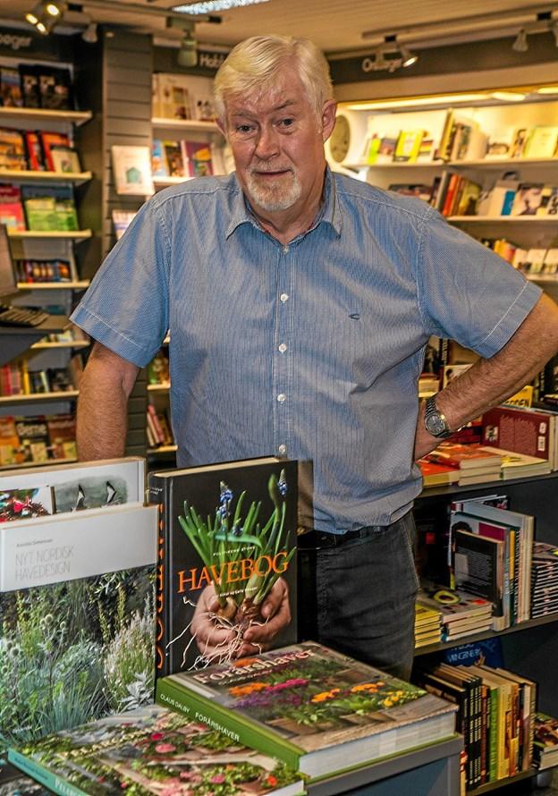 Boghandler Jørgen Balle siger tak efter 43 år i Østerbrogade i Løgstør. Foto: Mogens Lynge